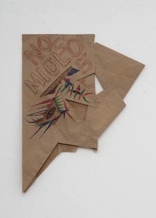 Laura Lima e Jarbas Lopes_Máscaras_2009_Sacolas de papel kraft e canetas coloridas_edouard_fraipont-1